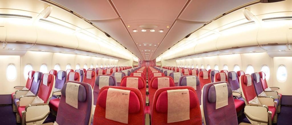 Noticias de aerolíneas. Noticias de compañías aéreas. Clase Economy en el Airbus A380 de Thai.