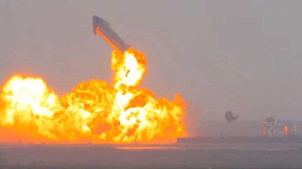 Noticias de turismo. Noticias de aviación. Prototipo SN10 explotando tras su aterrizaje en Texas.