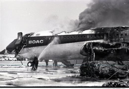 Noticias de aviación. Noticias de aviones. Boeing 707 de BOAC en llamas en 1968