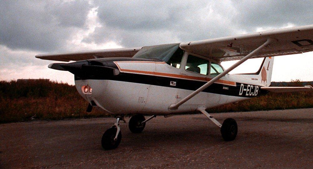 Noticias de aviones. Noticias de aviación. Cessna 172 con la que Rust aterrizó en Moscú.