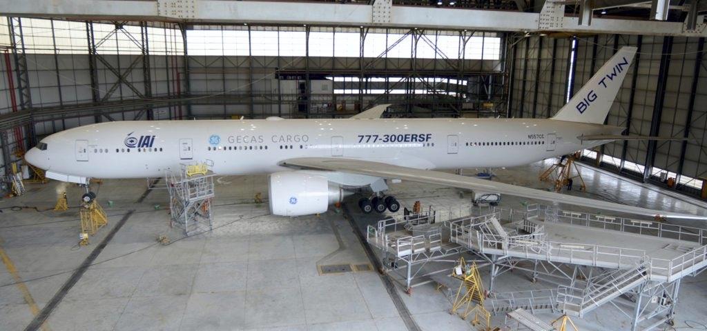 Noticias de aviones. Noticias de aviación. Primer Boeing 777-300ERSF