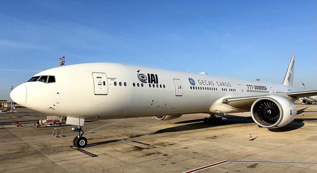 Noticias de aviación. Noticias de aviones. Primer Boieng 777-300ERSF