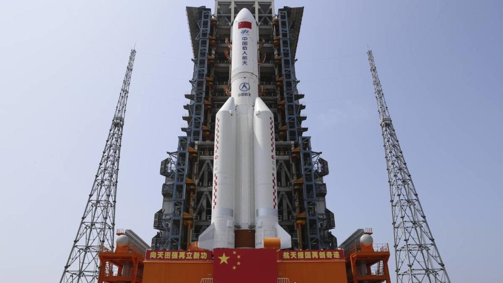 Noticias aeroespaciales. Cohete chino LM-5B