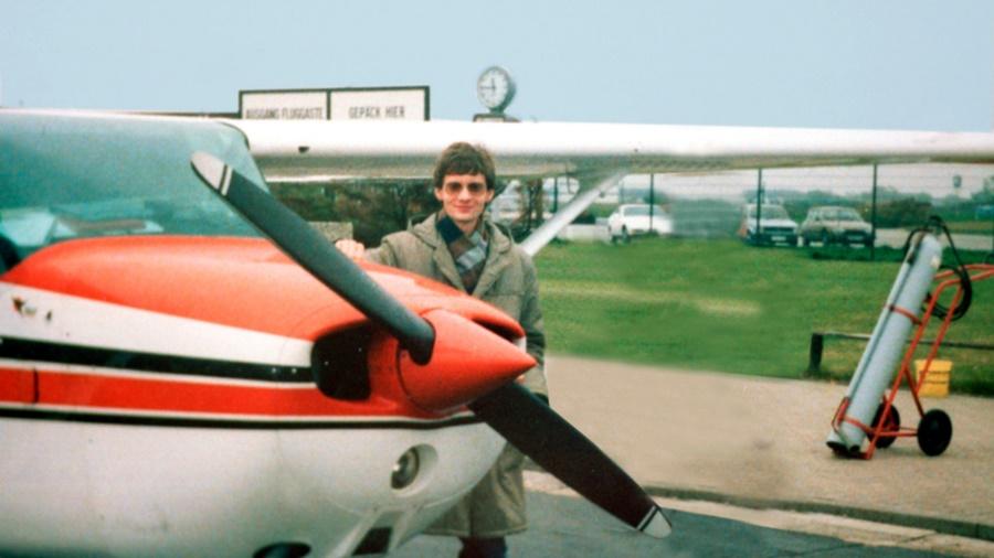 Noticias de aviones. Noticias de aviación. Mathias Rust fotografiado antes de su vuelo a la URSS