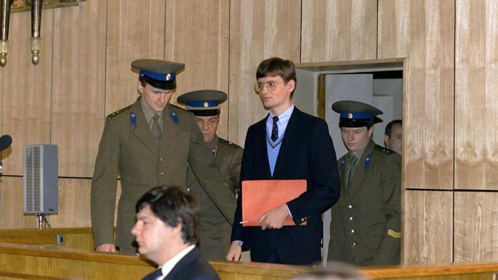 Noticias de aviones. Noticias de aviación. Mathias Rust durante su juicio en Moscú.