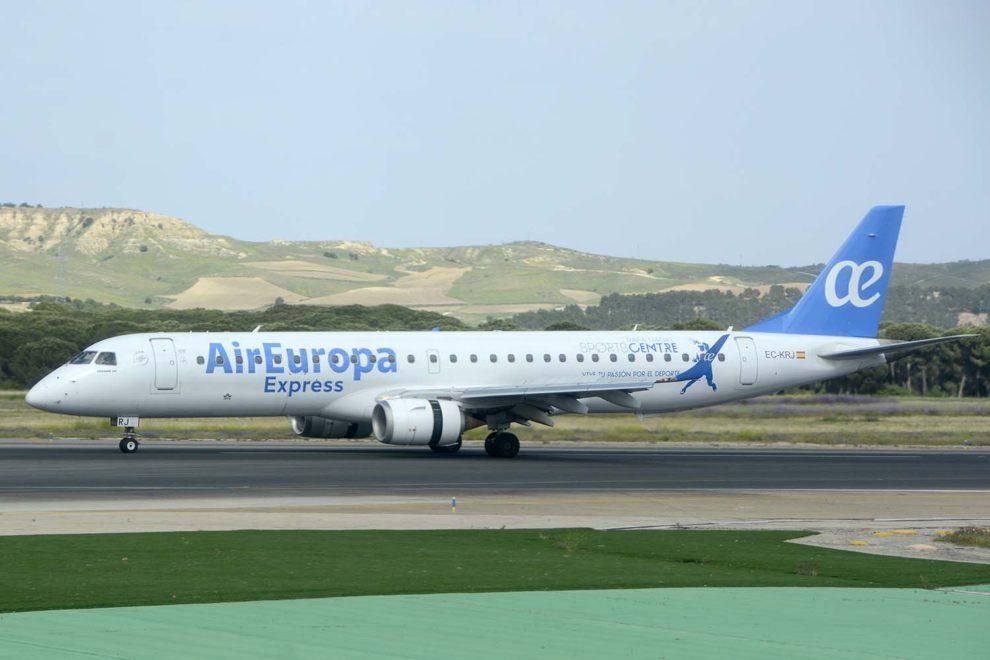 Noticias de aeropuertos. Noticias de turismo. Aeronave de Air Europa Express