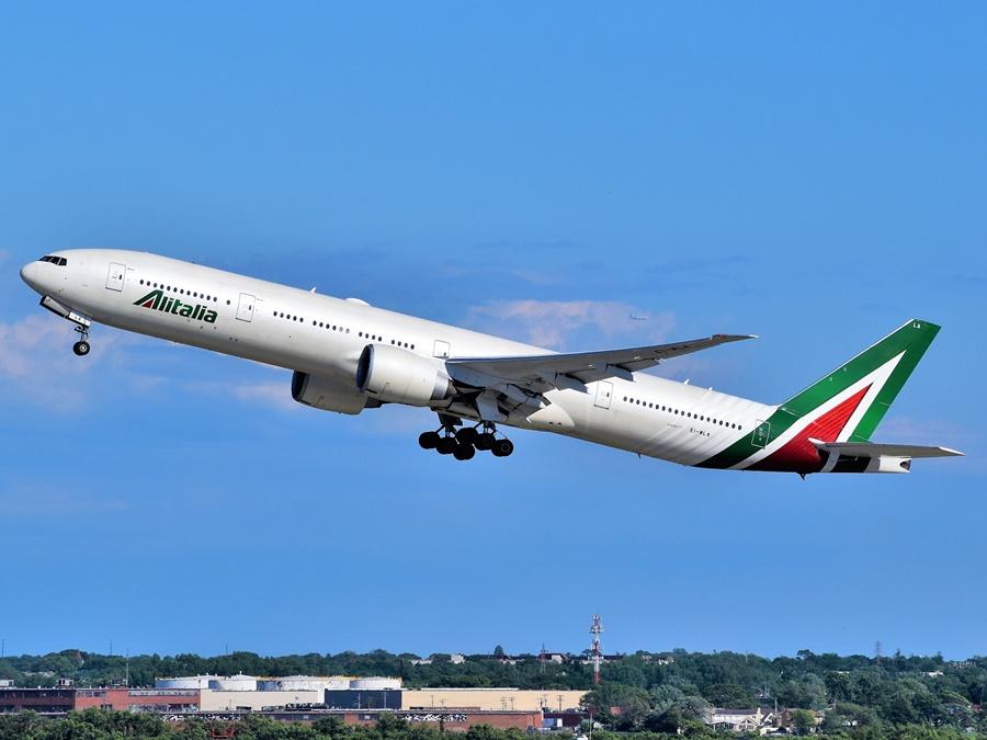 Noticias de aerolíneas. Noticias de compañías aéreas. Boeing 777 de Alitalia