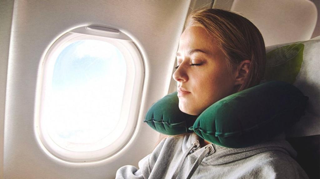 Actualidad de turismo. Actualidad para viajeros. Durmiendo durante un vuelo.