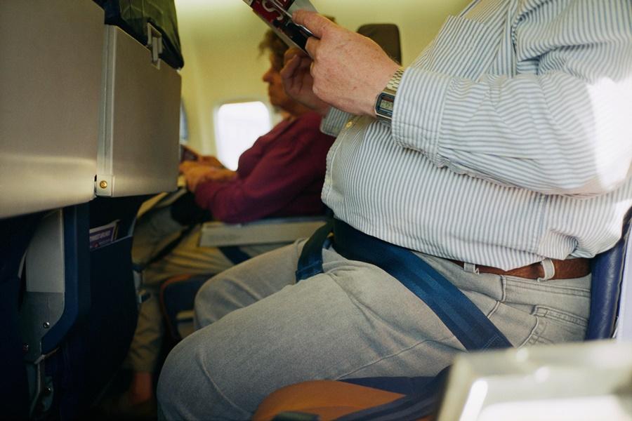 Noticias de aerolíneas. Noticias de aviación. Incremento de pasajeros obesos en los aviones.