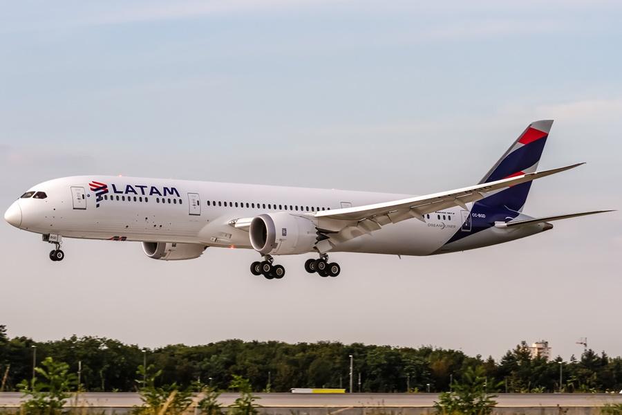 Noticias de aerolíneas. Noticias de compañías aéreas. Boeing 787 de LATAM