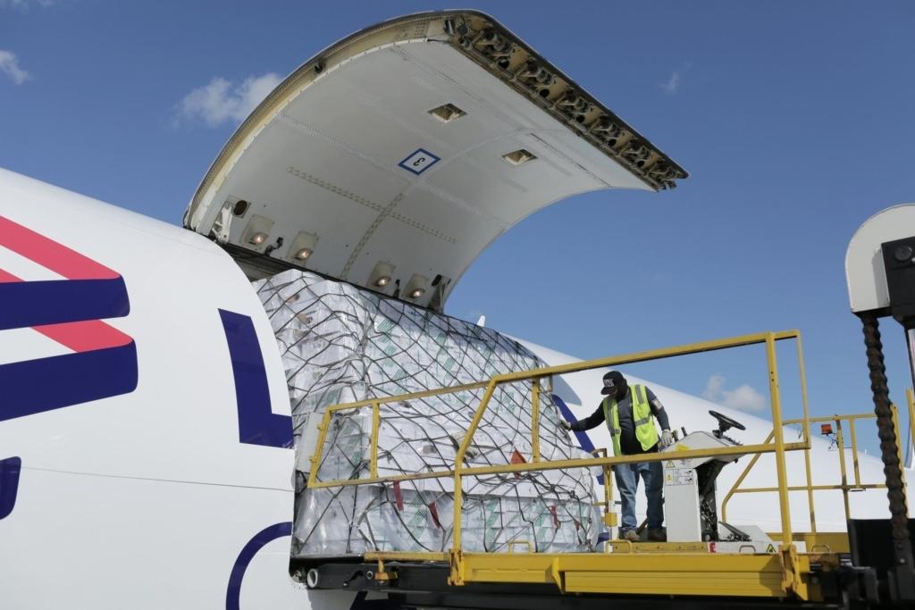 Noticias de aerolíneas. Noticias de compañías aéreas. Avión de carga de LATAM