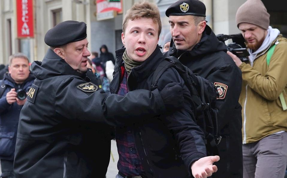 Actualidad aérea. Actualidad de aviación. Actualidad de aerolíneas. Opositor bielorruso detenido.
