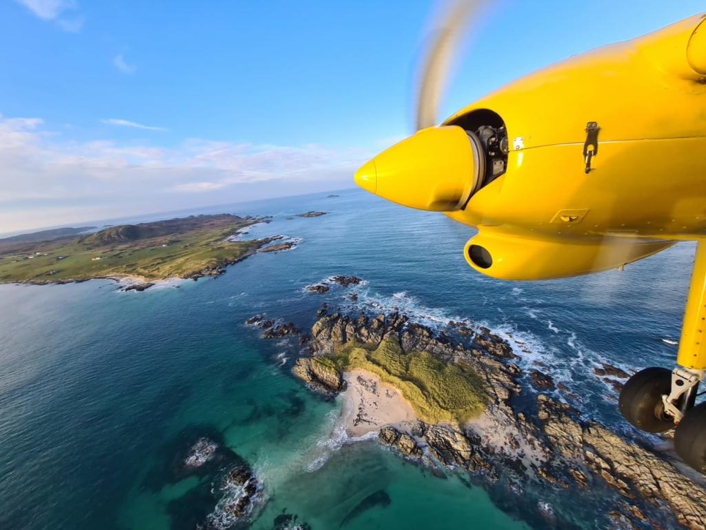 Vista de las Islas Hébridas desde el avión de Hebridean