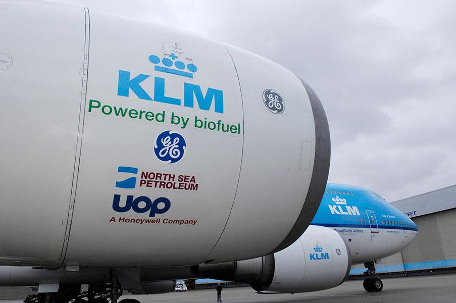 Miedo a volar, aerofobia. Avión de la aerolínea KLM utilizando biocombustible.