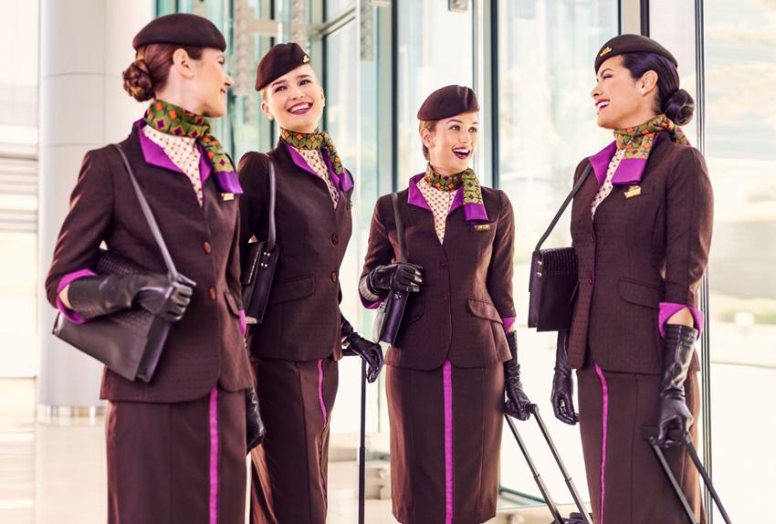 Uniformes de aerolíneas. Tripulantes de cabina.