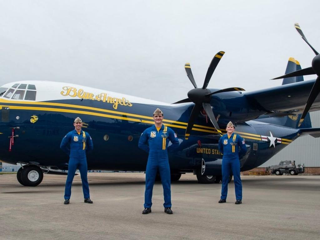 Fat Albert, avión acrobático de la patrulla Blue Angels