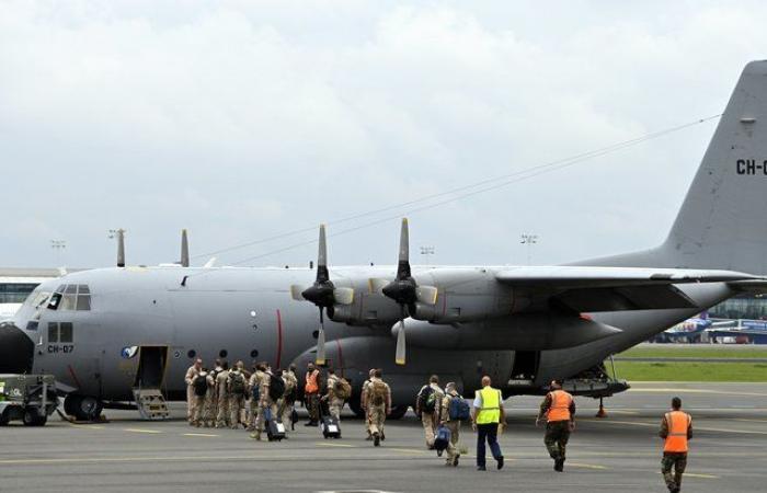 Hercules C-130 en misión de evacuación desde el aeropuerto de Kabul