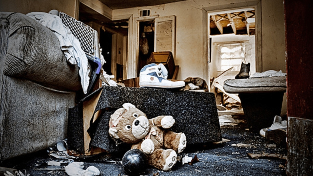 Vivienda destrozada por un inquilino