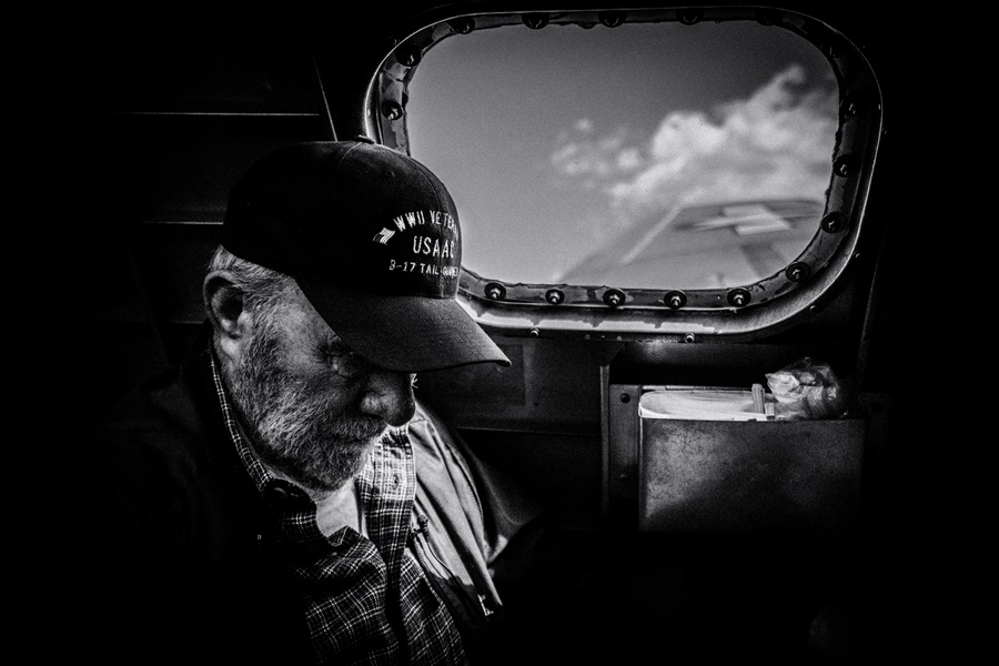 Veterano de la II Guerra Mundial a bordo de un bombardero B-17