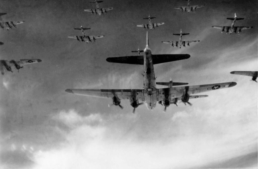 Formación de bombarderos B-17 durante la II Guerra Mundial