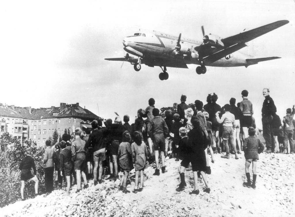 Operación aérea aliada para dotar de suministros a la Alemania Occidental