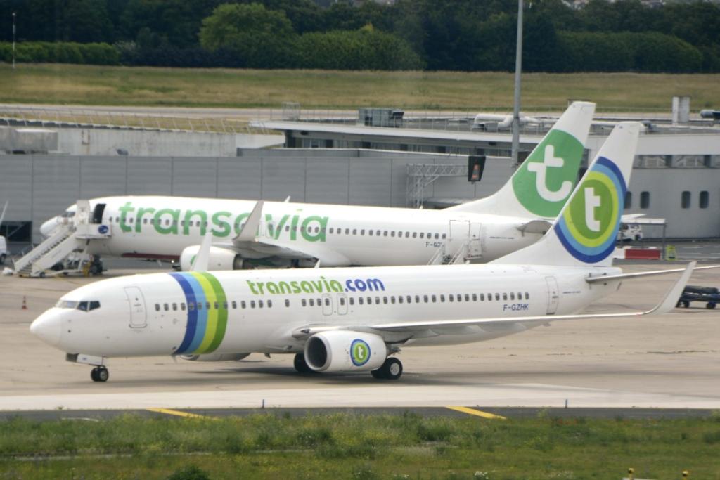 Aviones de la aerolínea Transavia en el aeropuerto de Orly